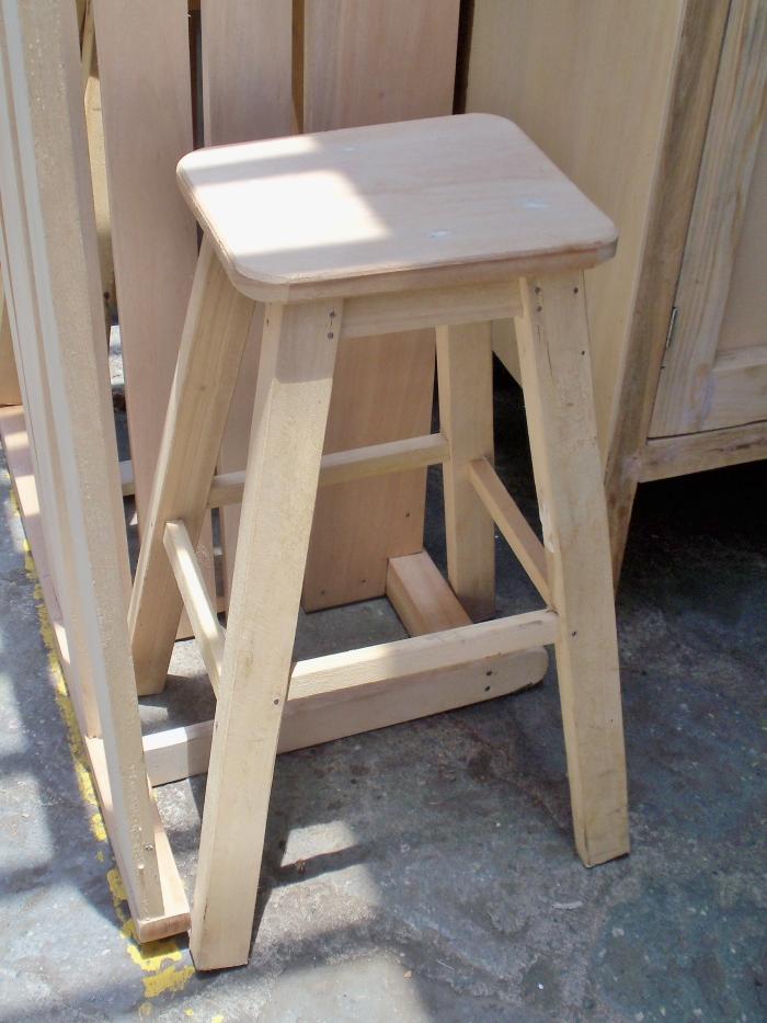 stool 100_3742 (2)