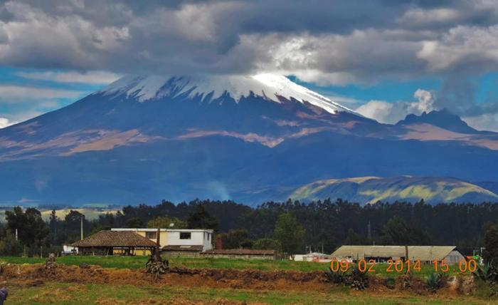 Lynn's amazing photo of Cotopaxi, the second-highest peak in Ecuador--