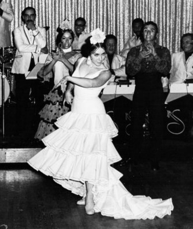 Estrellita Izquierdo performing in the early 1960s)